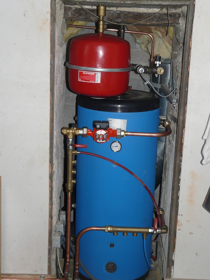 A Gravity fed stockage tank